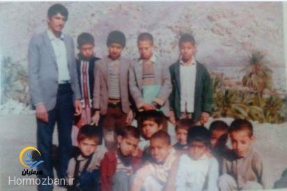 تصاویر دیده نشده از مدیر دبیرستان ابوریحان هشت بندی