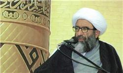 انقلابیبودن یعنی التزام عملی به مبانی امام راحل/ آنان که انقلابیبودن را به احساسیبودن تعریف میکنند خود را به تجاهل زدهاند