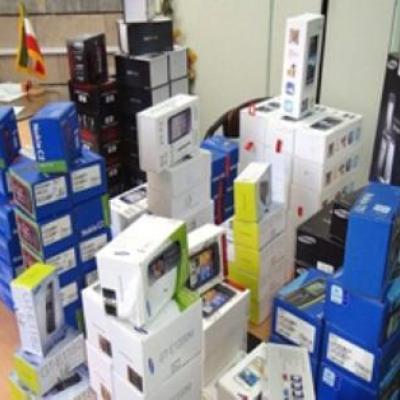 کشف ۱۳۵۱ دستگاه تلفن همراه قاچاق در بستک