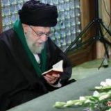 حضور رهبر معظم انقلاب بر سر مزار آیتالله هاشمی رفسنجانی +تصاویر