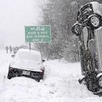 فیلم/ چگونگی جلوگیری از حوادث فجیع رانندگی در جاده برفی