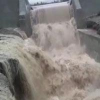 خروش رودخانه در روستای پاکوه + فیلم
